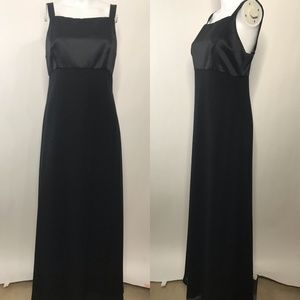 Adrianna Papell Occasions Black Sleeveless Maxi 12